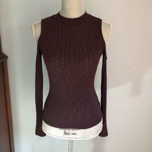 Maroon cutout shoulder knit top